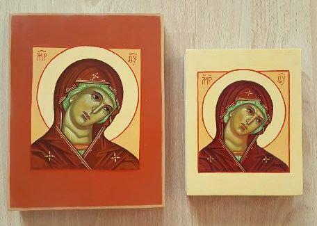 Kuvassa kaksi Neitsyt Maria ikonia